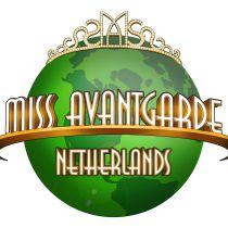 Miss Avantgarde, group complete