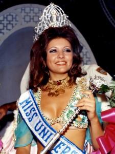Miss_Universe_1971_Georgina_Rizk_2014-04-28_17-30